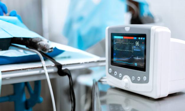 ¿Cómo se utiliza un monitor constantes vitales?